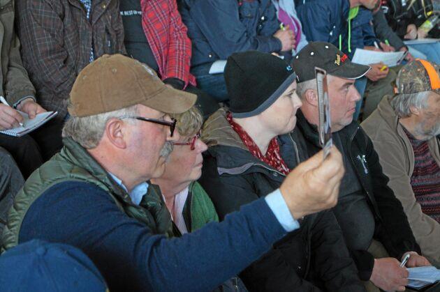 Anders Wiklert, ordförande för Svensk Köttrasprövning, sålde två tjurar på auktionen, men köpte också en tjur med sig hem till Kristinehamn. Hans netto på den handeln blev 5000 kronor.