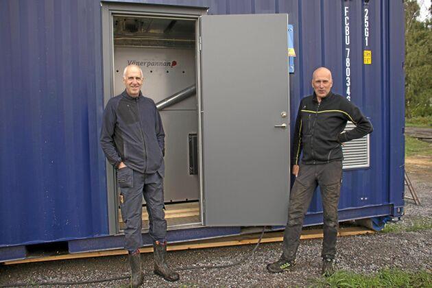 Bengt och Per Edsgård värnar om miljön. Nyligen investerades i en pelletspanna. Från Klimatklivet fick de 50 procent i investeringsstöd.