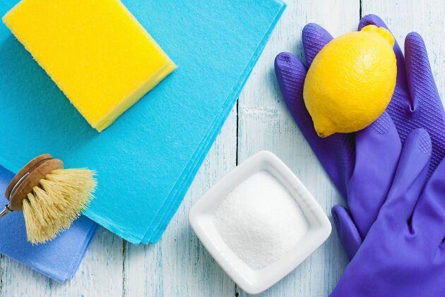 Citronsyra är effektiv för att ta bort kalkbeläggningar och fettavlagringar.