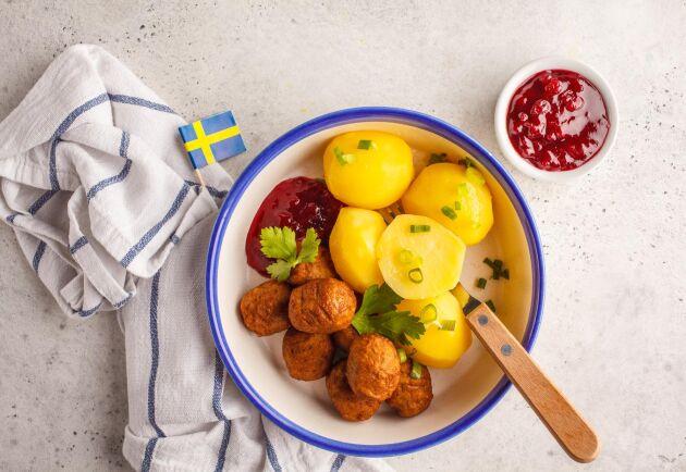 Regeringen går vidare med frågan om att kunna tvinga restauranger att ange om det är svenskt eller utländskt kött på tallrikarna.