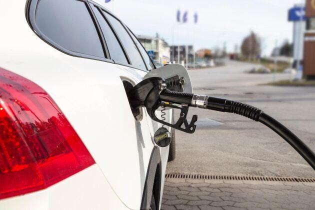Priset för diesel, HVO 100 och bensin har stigit med 10 öre.