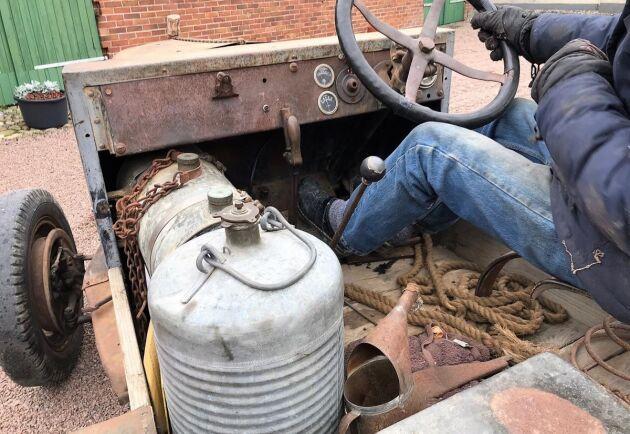 Den amerikanska epa-traktorn är tillverkad 1926 och av märket International. Gick under andra världskriget och hittades övergiven i en lada av Göran Boson.