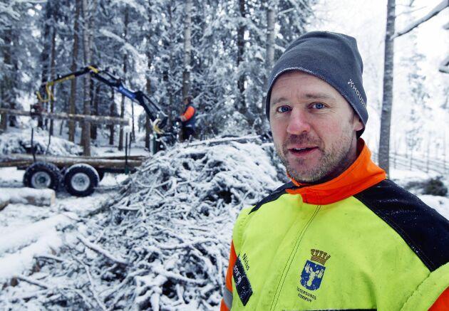 Niklas Agerberg är arbetsledare för avverkningen vid Sommarhagen.
