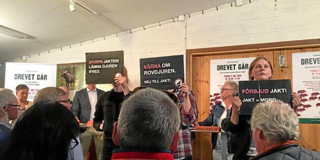 Aktivister störde jaktdebatt