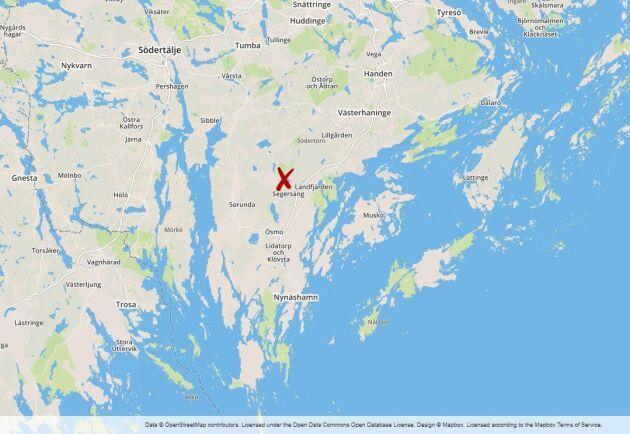 Uppemot 40000 kvadratmeter skog brinner i Lisseläng, mellan Segersäng och Hemfosa i Nynäshamns kommun.