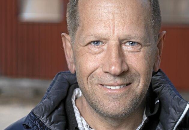 När det gäller vall har forskningen halkat efter praktiserande lantbrukare på många områden. Det finns till exempel inga säkra forskningsresultat på att fyra eller fem vallskördar per säsong är den mest lönsamma strategin, resonerar Per-Anders Andersson.
