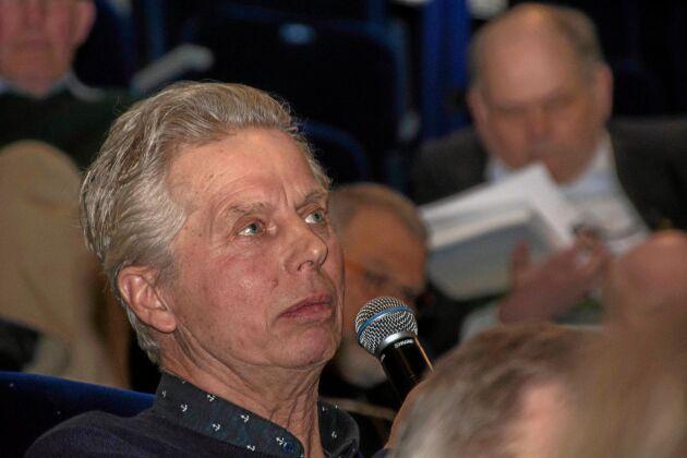 Lars Larssons motion om att nya förtroendevalda ska ha minst hälften av sina affärer med Lantmännen resulterade i en skrivelse till koncernvalberedningen.