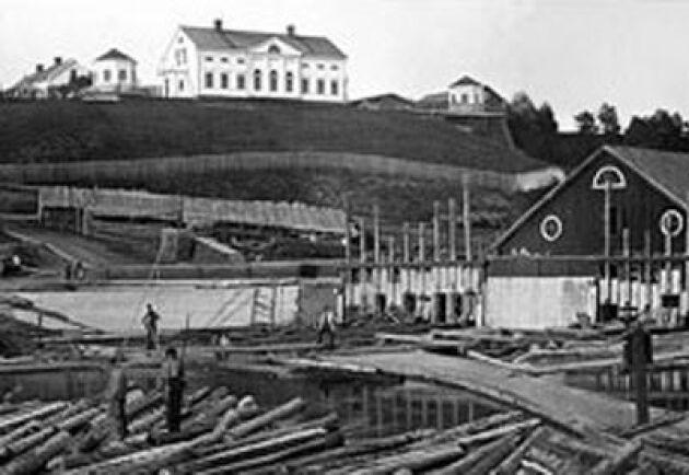 Baggböle herrgård omkring 1880. Sågen sysselsatte då 170 personer som sågade runt 150 000 stockar per år.