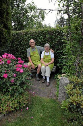 Jan och Denise Hellström i Östervåla är veteraner i Öppen Trädgård.