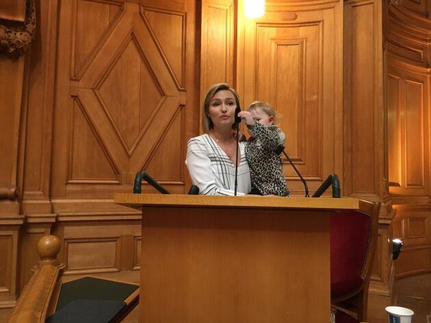Ebba Busch Thor fick sällskap i talarstolen.