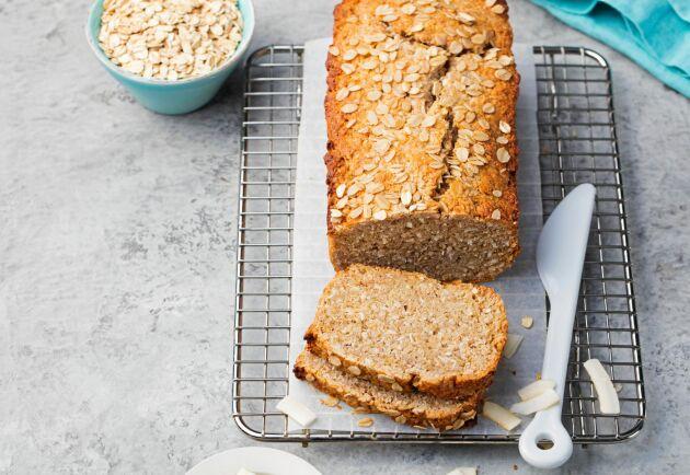 Ett gott bröd med mjöl på havregryn i stället för vete.