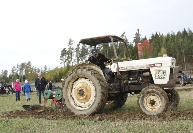 Börje Holm med sin David Brown 990.
