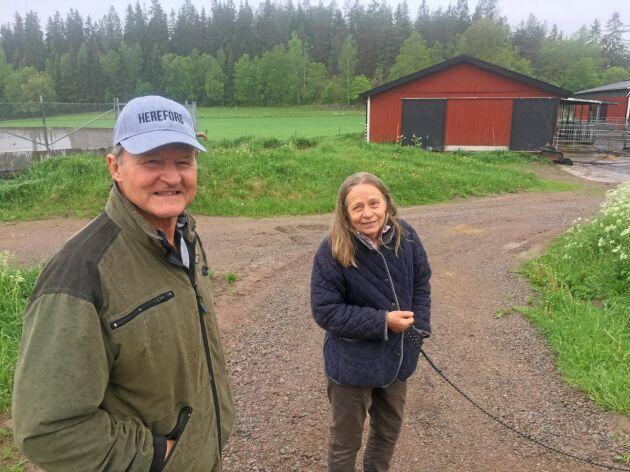 Det är ett systemfel när det är dyrare att köra fossilfritt. Då finns inga ekonomiska incitament att gå över, menar Ingemar Svensson och Pernilla Salevid.