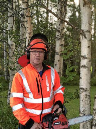 """""""Min privata misstanke är att If inte längre vill försäkra skog, men då tycker jag man ska säga det rakt ut"""", säger Ingemar Westfält som nu bytt försäkringsbolag sedan If höjt premien med 700 procent."""