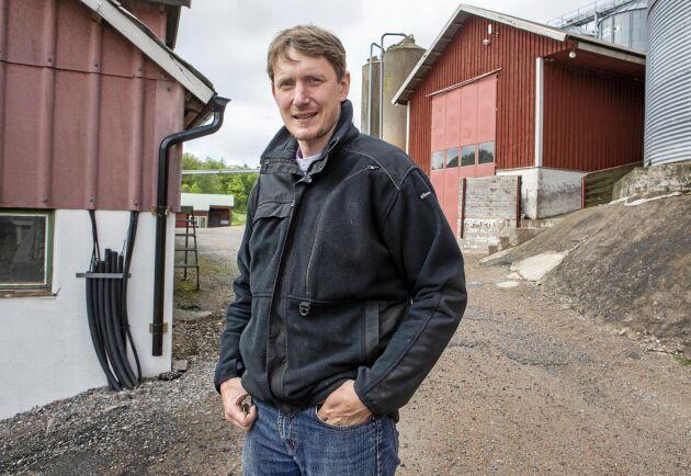 Johan Christensson på Klevs gård som ställer om växtodlingen till ekoproduktion.