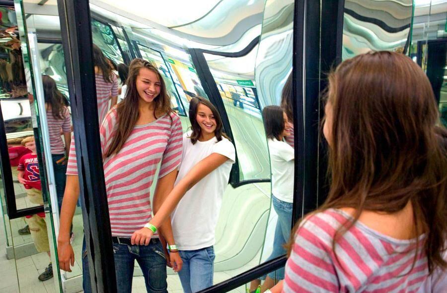Speglarna i Kristallsalongen har roat Lisebergs besökare sedan 1962.