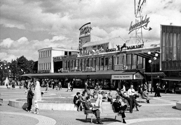 Arkivbild. Vällingby centrum år 1957.