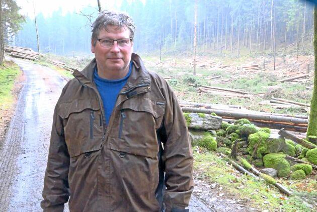 Möter motstånd. Lars Börjesson, tätortsnära skogsägare utanför Göteborg, mötte stort motstånd inför årets avverkningar.