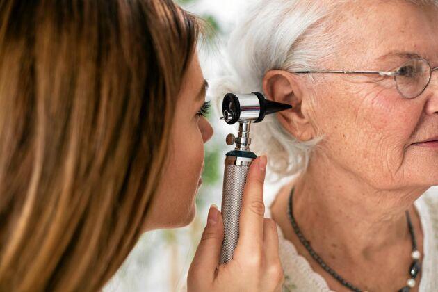 Öroninflammation är vanligt hos barn men drabbar även vuxna. Oftast går det över av sig själv.
