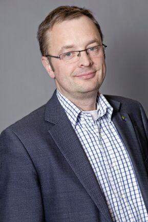"""""""Jag ser inga hinder som skulle kunna stoppa solcellsvågen"""", säger LRF:s expert på resurseffektivitet Niklas Bergman."""