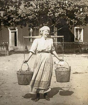 Ester Blenda Nordström var journalisten som tog jobb som piga för att avslöja deras tuffa tillvaro på gården.