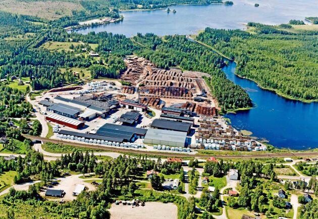 Norra Skog valde att lägga ned sågverket i Östavall på grund av bristen på timmer i området.