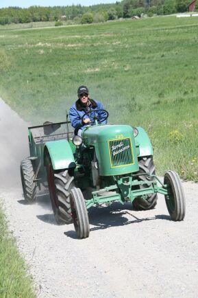 Fendt F25 Dieselross kom till Sverige i början av 1950-talet och hade en tvåcylindrig dieselmotor på 28 hästkrafter.