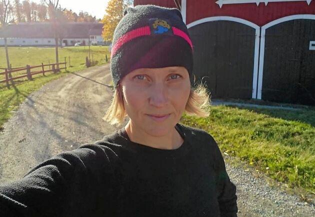 Djurbonden Anette Gustawson tänker inte vika ner sig trots nya trakasserier från militanta djuraktivister.
