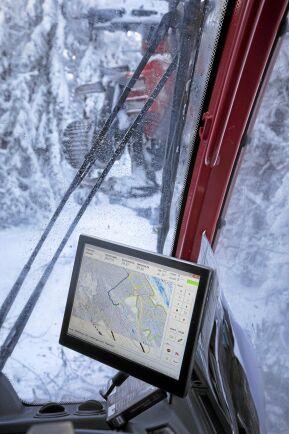 På GPS:en har de koll på var de är och oftast är nyckelbiotoper utmärkta på kartan.