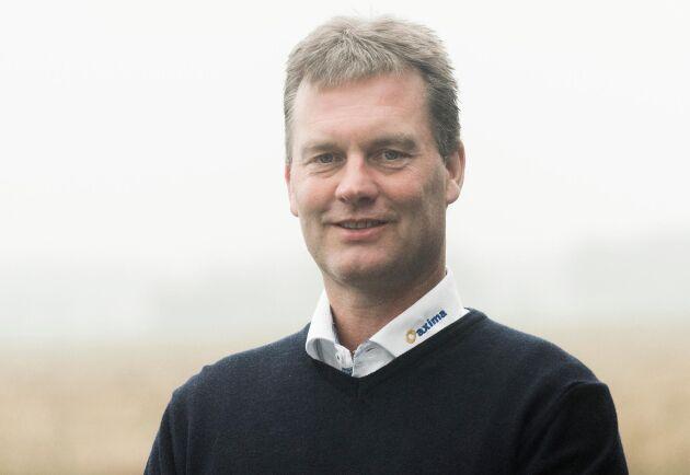 Danskar, holländare och schweizare har redan varit i kontakt med Morgan Broberg om att få köpa tungviktaren från Volvo BM.
