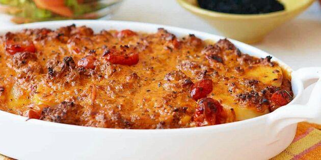 Krämig lammfärsgratäng med tomat, potatis och mango chutney