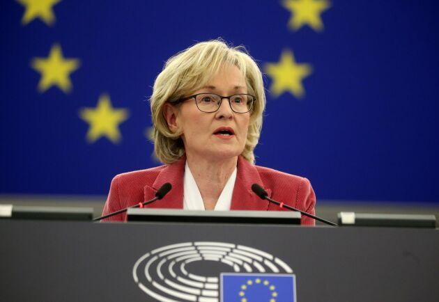 Mairead McGuinness väntas få ett snabbt godkännande av EU-parlamentet.