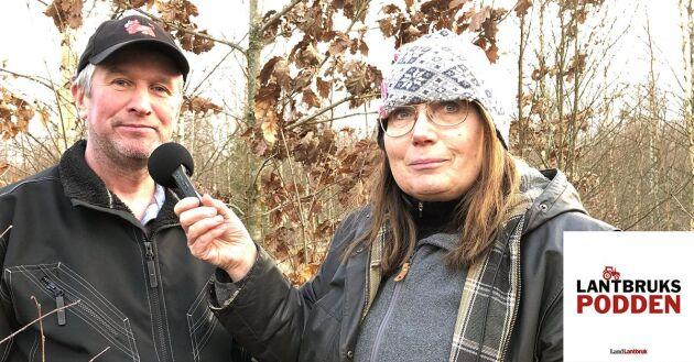 Johan Larsson, ordförande i Vallerstadstiftelsen, skogsägare och lantbrukare, intervjuas i Lantbrukspodden av Marie Henningsson angående Stormen Gudrun.