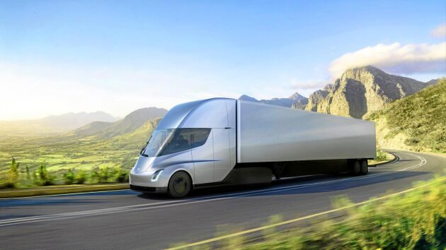 Experter ifrågasätter om det verkligen går att konstruera laddare och batterier med den kapacitet som Tesla utlovat för sin nya lastbil ...
