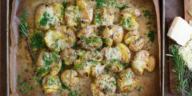 Kraschad potatis med vitlökssmör och ost