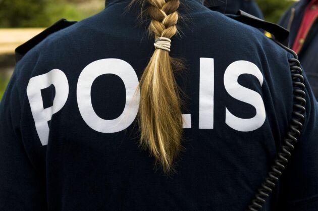 Polisen har i nuläget inga misstankar om brott efter att en buss körde in i en skolbuss i Skåne under onsdagseftermiddagen.