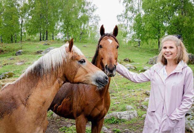 Hästarna på gården har gett Oliva lugn och trygghet när tillvaron har känts kaotisk.