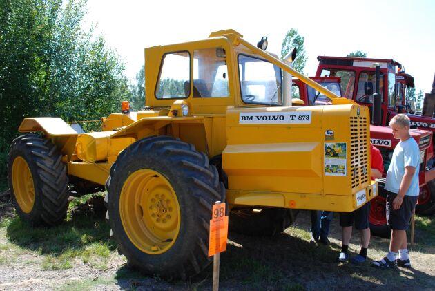 Lantbruks-Lisa var att försök att se om det gick att göra traktor av skogsmaskinen.