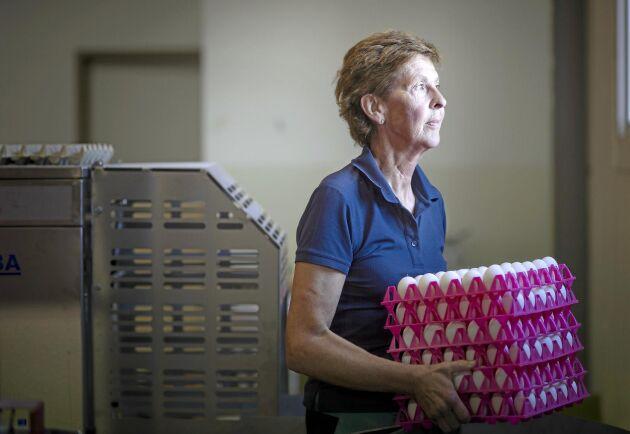Marie Samuelsson på Åkerby gård har fått lära sig mycket om att hantera en kris, efter att gården drabbades av Newcastlesjukan.