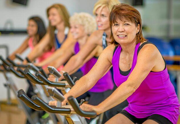 Tränar man i medelåldern minskar risken för att få demens och Alzheimer med 90 procent.