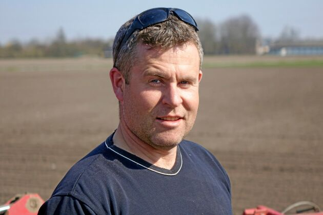 Johan Knutsson driver en stor växtodlingsgård utanför Dösjebro i Skåne.