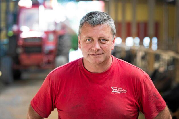 Jan Forssell, ordförande i Sveriges Nötköttsproducenter, konstaterar att han själv redan har anmält slaktdjur så långt fram som i juli. Han ser i grunden positivt på att slakterierna inte tar in fler djur än vad de kan sälja.