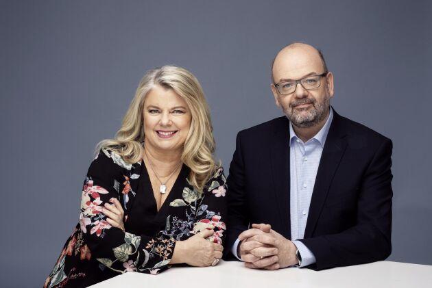Carin Hjulström, journalist och författare med smärtproblematik och Karsten Ahlbeck, överläkare och smärtspecialist, har tillsammans skrivit en bok om hur du kan lura smärtan, må bättre och få ett rikare liv.