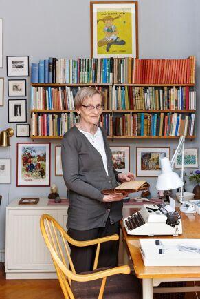Karin Nyman i sitt barndomshem. Här skapade Astrid bland annat böckerna om Pippi. Första boken utkom 1945.