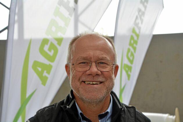 Poul Erik Christensen är produktchef på danska A/S Agrifarm som har utvecklat ett luftreningssystem för djurstall som man kallar hybridventilation.