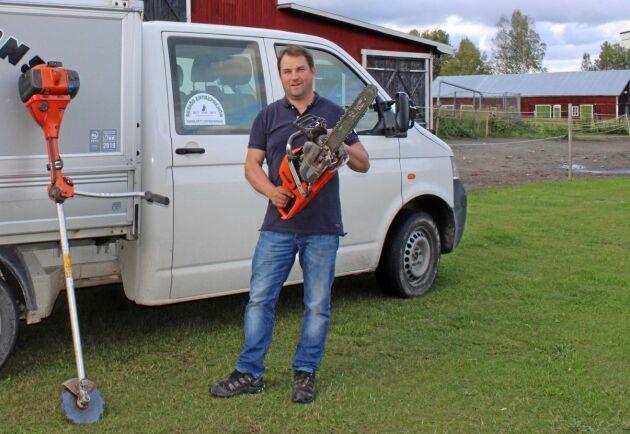 Andreas Nilsson har tolv anställda i sitt skogsvårdsföretag som jobbar mycket med röjning.