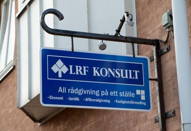 I mars plockar LRF Konsult ner skylten för att sätta upp en ny.