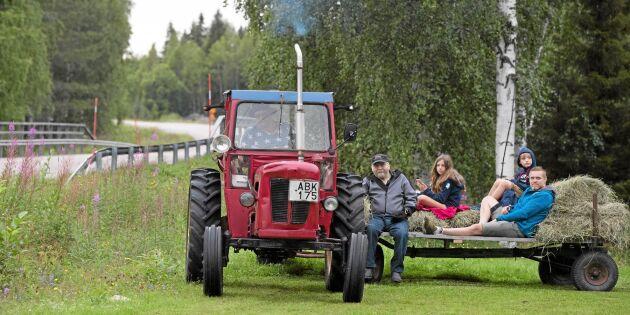 """Traktorintresset för samman byborna: """"Man har inte bråttom"""""""
