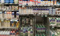 """""""Skattepengar går till att spränga kilar mellan mjölkproducenter"""""""
