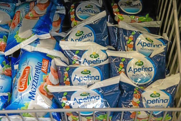 Arlas Mozzarella på rysk mjölk tillverkas av en underleverantör i Kostroma.